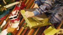 """Vater schenkt seiner Tochter das """"schlechteste Geschenk"""" - mit ihrer Reaktion hat er nicht gerechnet"""