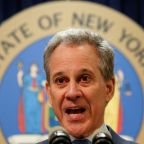 Lawmakers propose giving top NY prosecutor power to bypass Trump pardons