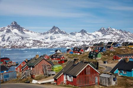 As ice melts, Greenland could become big sand exporter: study