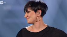 """Sanremo 2019, Arisa febbricitante stona ma i social sono con lei: """"Ti amiamo lo stesso, ci fai stare bene"""""""