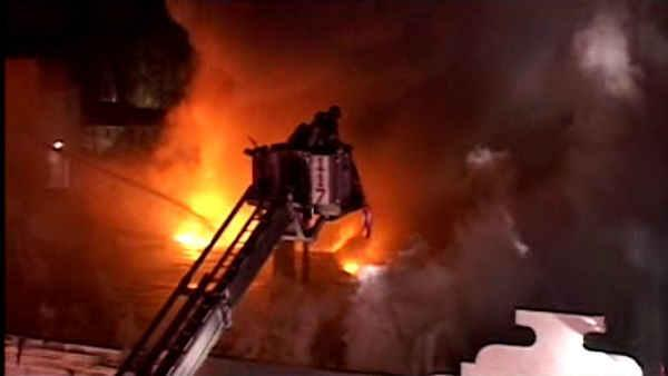 Fire guts commercial building in Queens