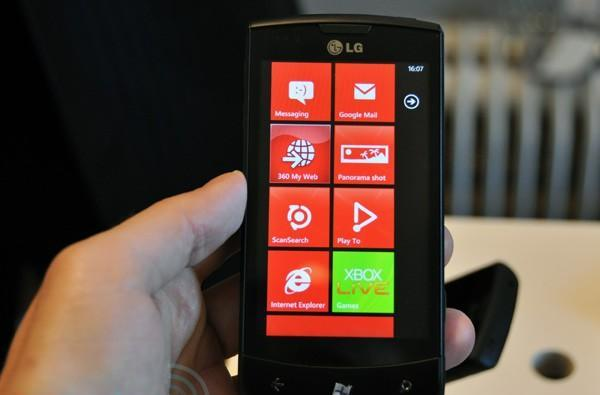 LG Optimus 7 first hands-on (update: video!)