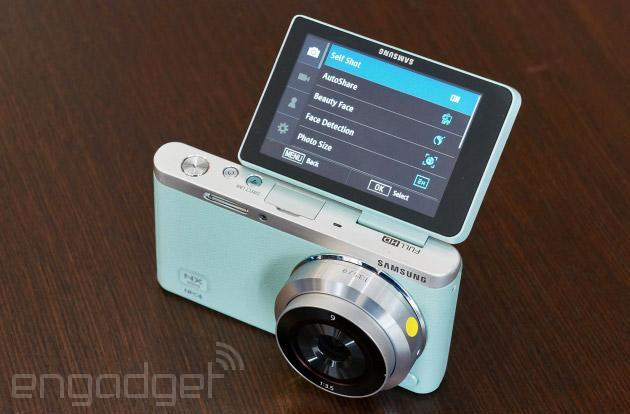 Samsung's interchangeable-lens NX mini sports 1-inch sensor, fits in your pocket (hands-on)