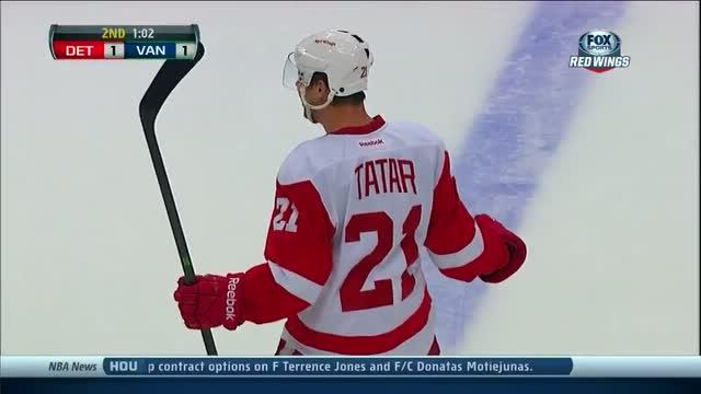 Tomas Tatar catches Luongo off guard