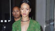 Rihanna ci ricasca: a cena con il naked dress