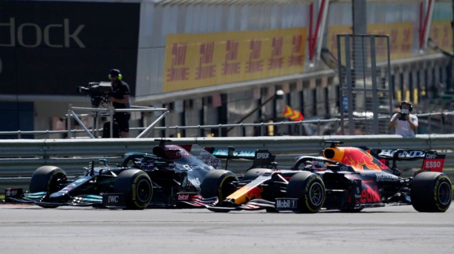 Red Bull recibe audiencia por incidente Verstappen-Hamilton