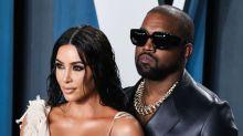 """Kanye West : une vidéo jamais dévoilée met en scène Kim Kardashian en train """"d'accoucher"""" de Kylie Jenner"""