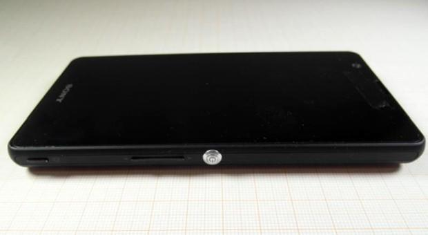 Sony Xperia A hits the FCC with 5-inch screen and removable battery