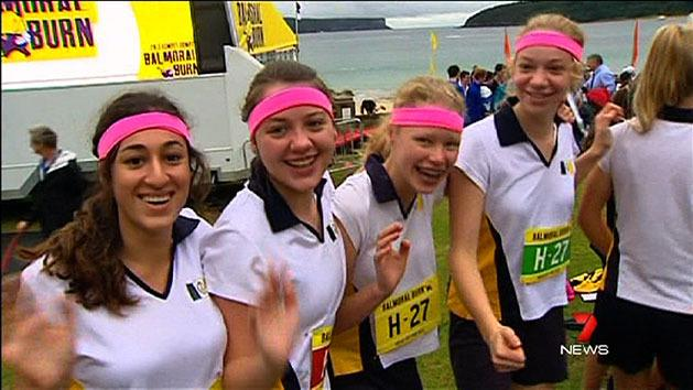 Hundreds run in Balmoral Burn