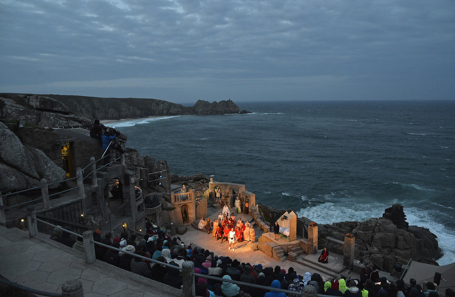"""<p>Actors perform the musical """"'Olympus – A Race Against Time"""" on its first night at the open-air, clifftop Minack Theatre near Lands End in Cornwall, south west England. (Photo: Toby Melville/Reuters) </p>"""