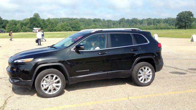 Chrysler Shows Off 2015 Products