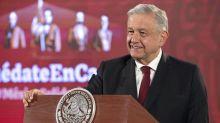 México: López Obrador dirige una rifa nacional por el monto de un avión