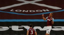 Moyes asks why fans can watch West Ham  in cinema but not stadium