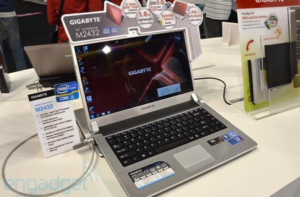 Gigabyte M2432 laptop with GeForce GT 440 graphics card dock hands-on