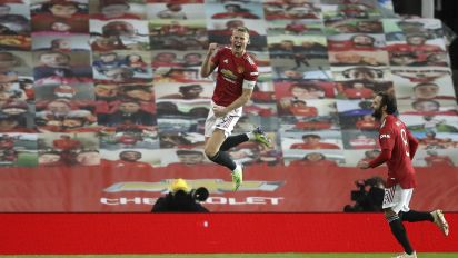 Man United, Arsenal advance in FA Cup