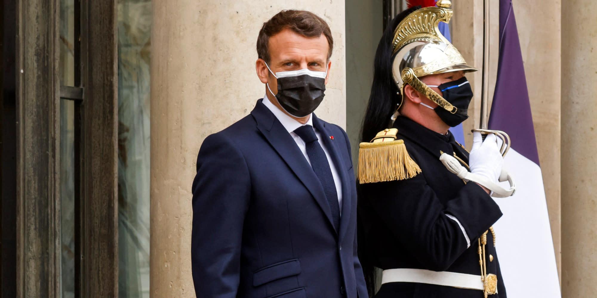 Interview, visite de terrain... Pourquoi Macron passe-t-il à l'offensive sur la sécurité ?