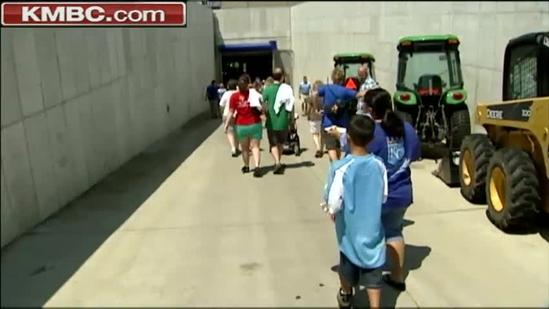 Kids cheer on Royals at Dream Factory Day