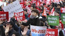 S. Koreans rally for 6th weekend calling for leader's ouster