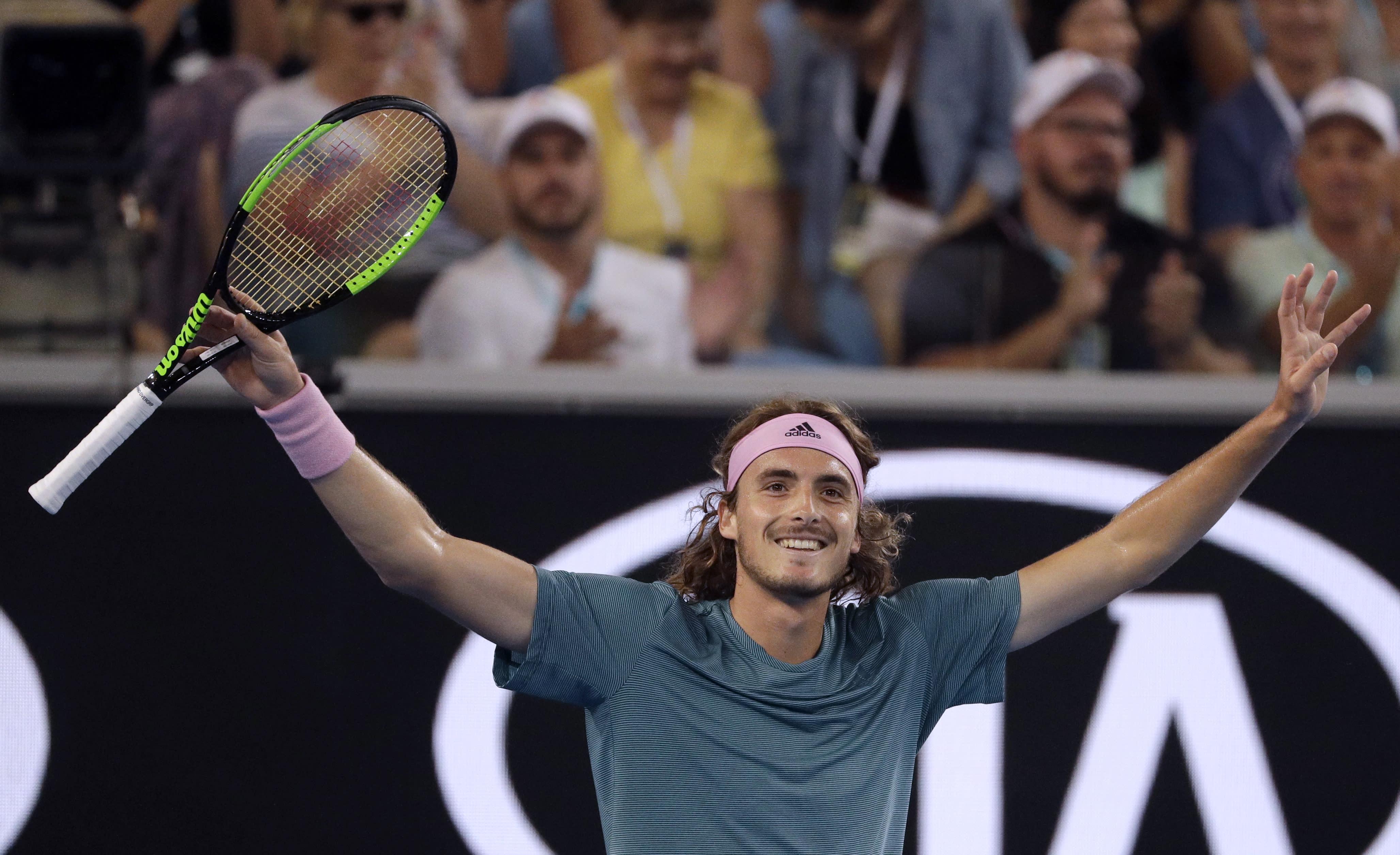 Australian Open Glance Federer Vs Up And Coming Tsitsipas