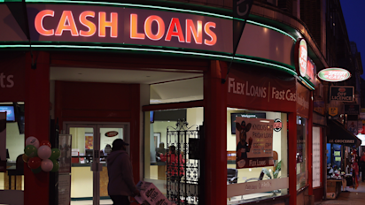Hamilton considers limiting number of payday loan outlets