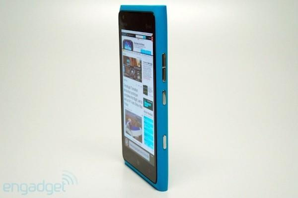Nokia reportedly delays Lumia 900 release in the UK, cites high US demand (update)