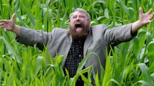 Brian Blessed urges country to 'wear a bloody mask' in coronavirus campaign