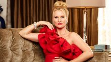 Dynasty Casts Nicollette Sheridan as Alexis Carrington — First Look