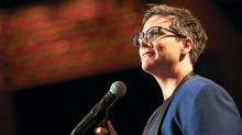Comedian Hannah Gadsby to Release 'Douglas' Netflix Special in 2020