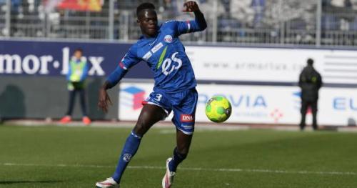 Foot - L2 - Strasbourg - Abdallah Ndour (Strasbourg) gravement blessé à l'entraînement