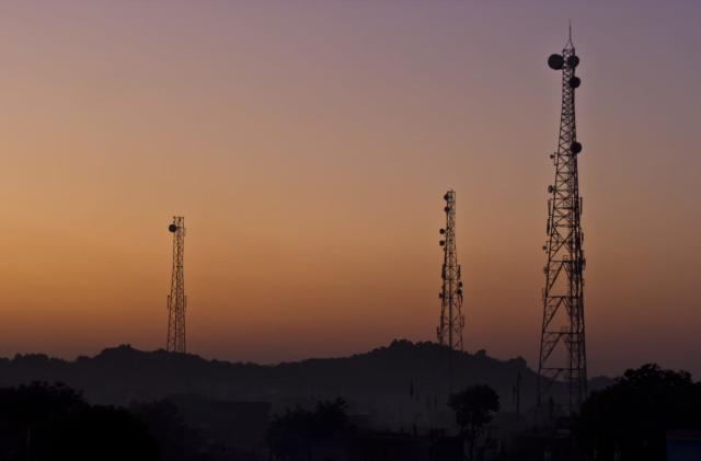 Three prepares for spectrum race with UK Broadband purchase