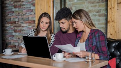 Read the fine print on student loan deals