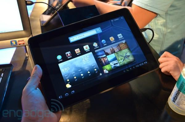 Dell Streak 10 Pro tablet makes global debut in China, we go hands-on (update: video!)