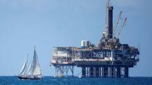 Brent oil falls but demand underpins near $70/barrel