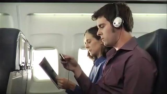 FAA to allow gadget use during all phases of flight