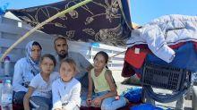 """""""¿Papá, vamos a morir?"""": el duro testimonio de una familia que lo perdió todo en los incendios del campamento de refugiados de Moria"""