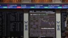 El IBEX 35 se da la vuelta, pierde el 0,24 %, y pone en peligro los 9.900