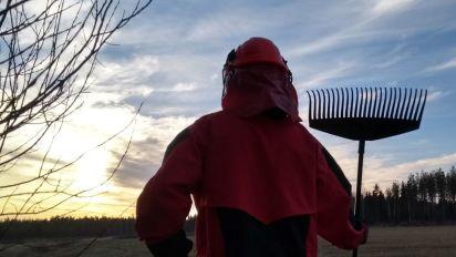 #rakenews: Warum Finnen jetzt die Rechen schwingen