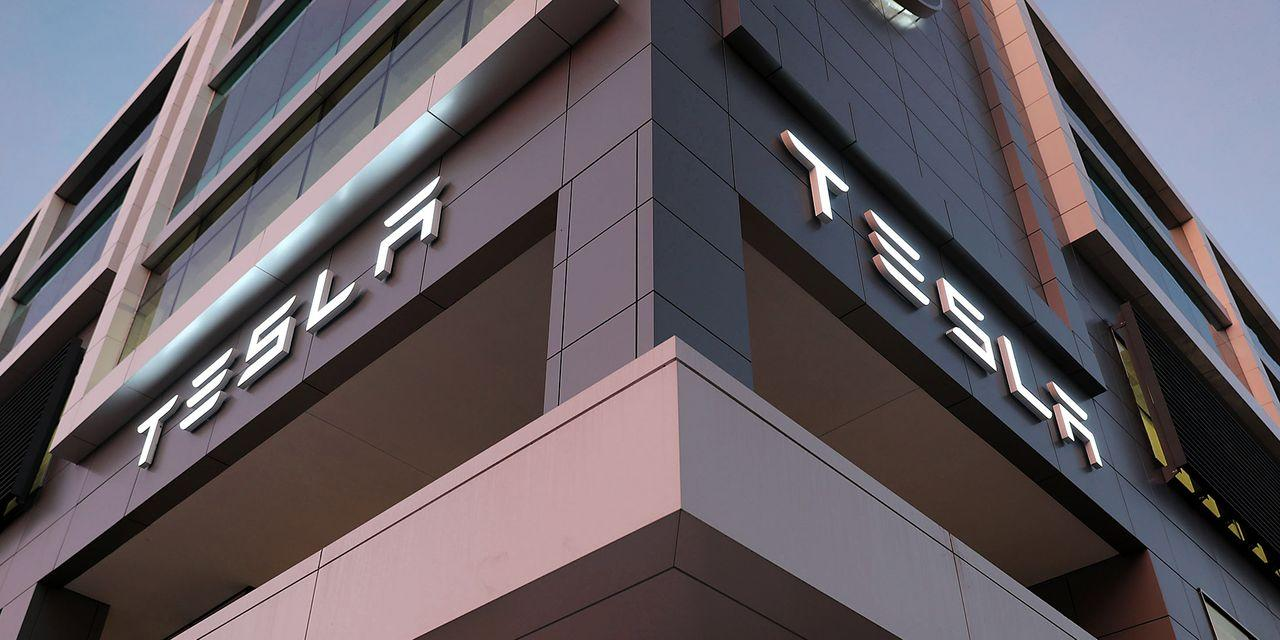 Tesla Stock Closed Above $900 for First Time. What Could Come Next.