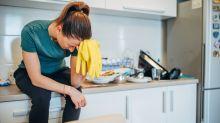 Eine Mutter wünscht sich mehr Hilfe im Haushalt und ergreift verzweifelte Maßnahmen