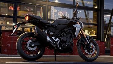 2020 Yamaha MT 03 ABS與2020 Honda CB300 R ABS之硬派風格運動街車對決