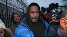 R. Kelly went to McDonald's after posting bail — where he signed autographs for fans