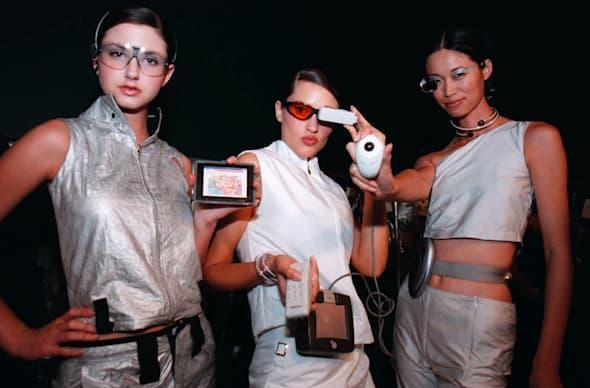 """Where do you want to wear your """"wearable tech""""? [Poll]"""