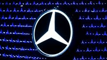 Daimler says expects Mercedes to post positive first-quarter margin
