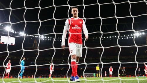 """""""Estou muito cômodo no Arsenal"""", avisa Ozil"""