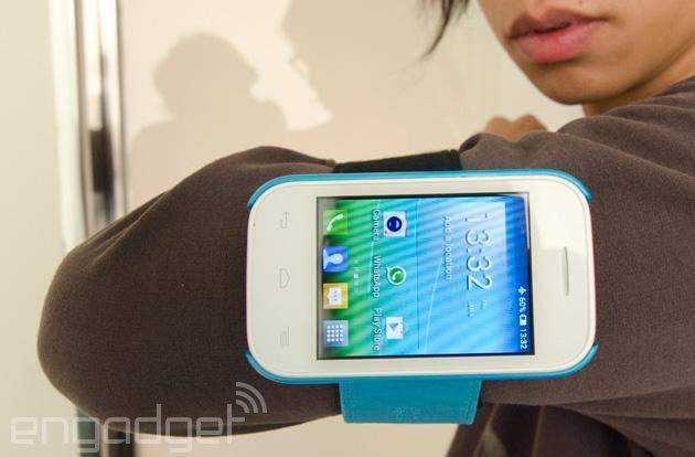 Alcatel OneTouch Pop Fit is a 'wearable' smartphone with a bundle of accessories