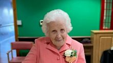Great grandmother celebrates 100th birthday with 'When You're Smiling' rendition