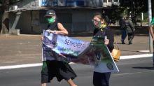 Simpatizantes manifestam apoio a Bolsonaro em Brasília