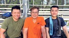 Edmond Leung blasted by netizens for photo with Alan Tam