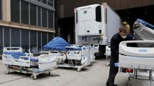 U.S. records 700 coronavirus deaths in a single day for first time