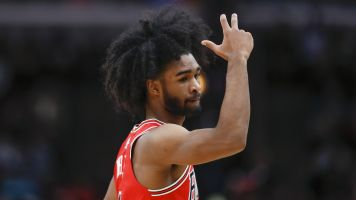 Red-hot Bulls rookie outscores Knicks in 4th